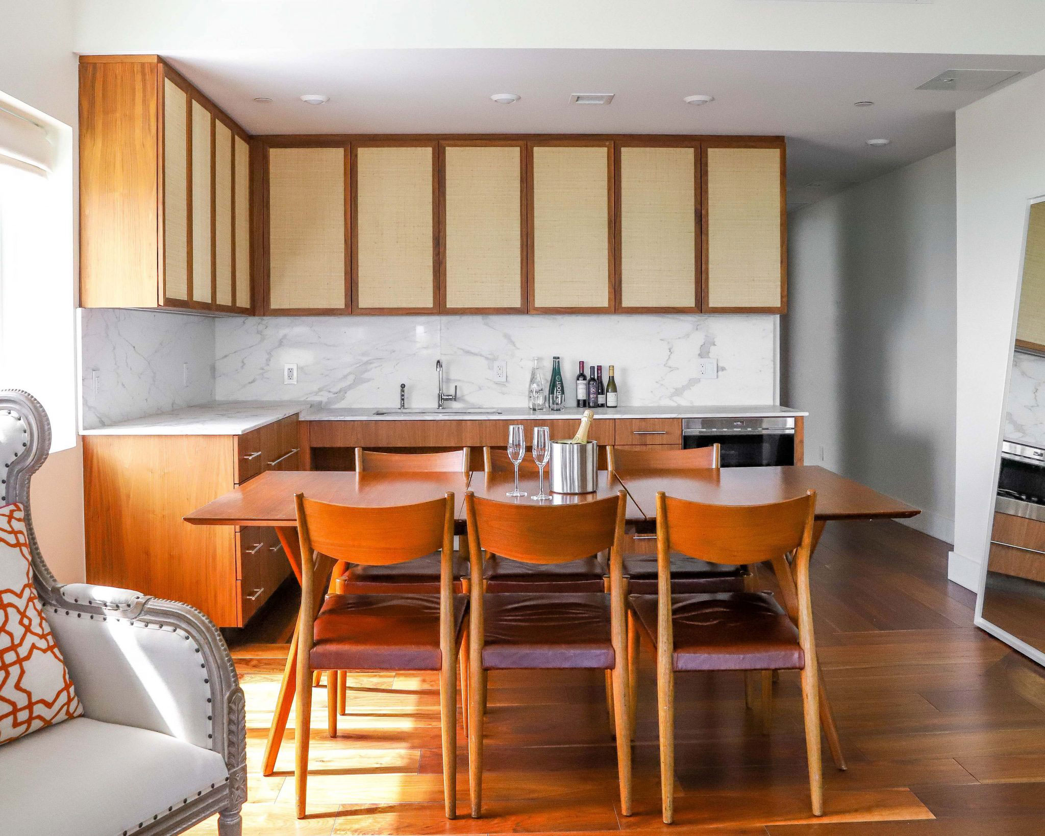 Kitchen area with table and 4 chairs