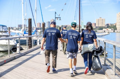 Annual Cleaning of Parks/ Beaches of New York City – Arlo Team Members Come Together and volunteer their time to pick up trash and other items!